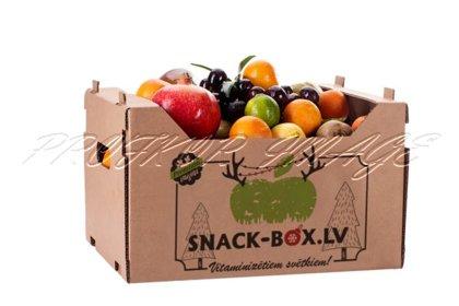 Augļu dāvana kartona kastītē