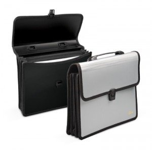 Mape-portfelis ar 3 nodalījumiem A4